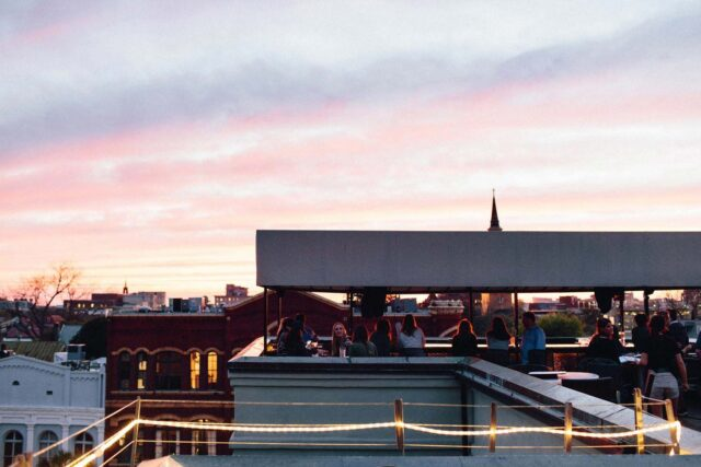 the-rooftop-bar-the-vendue-charleston-sunset-view-2